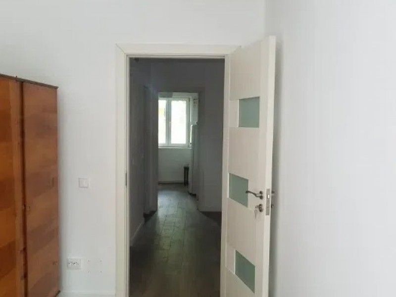 Apartament de inchiriat, 3 camere Decomandat  Tatarasi -7