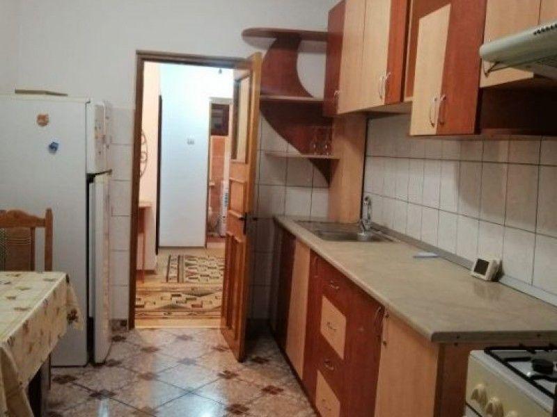 Apartament de inchiriat, 3 camere Decomandat  Tudor Vladimirescu -1