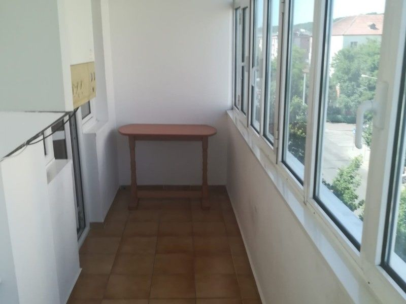 Apartament de inchiriat, 3 camere Decomandat  Tudor Vladimirescu -13