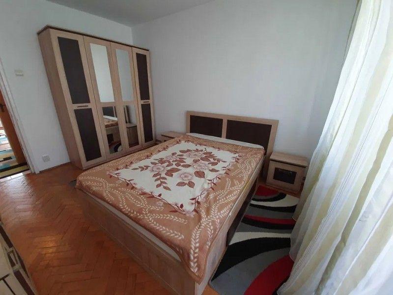 Apartament de inchiriat, 3 camere Semidecomandat  Metalurgie -3