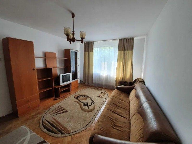 Apartament de inchiriat, 3 camere Semidecomandat  Metalurgie -5