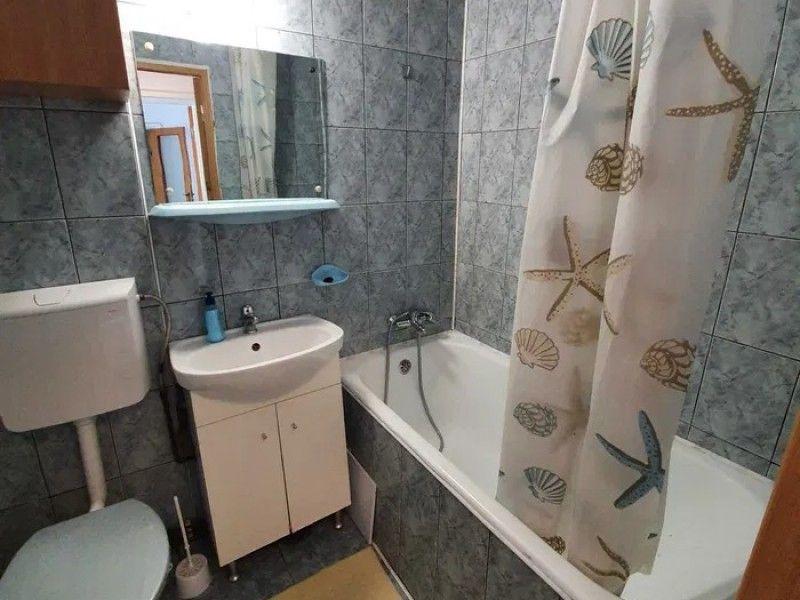 Apartament de inchiriat, 3 camere Semidecomandat  Metalurgie -7