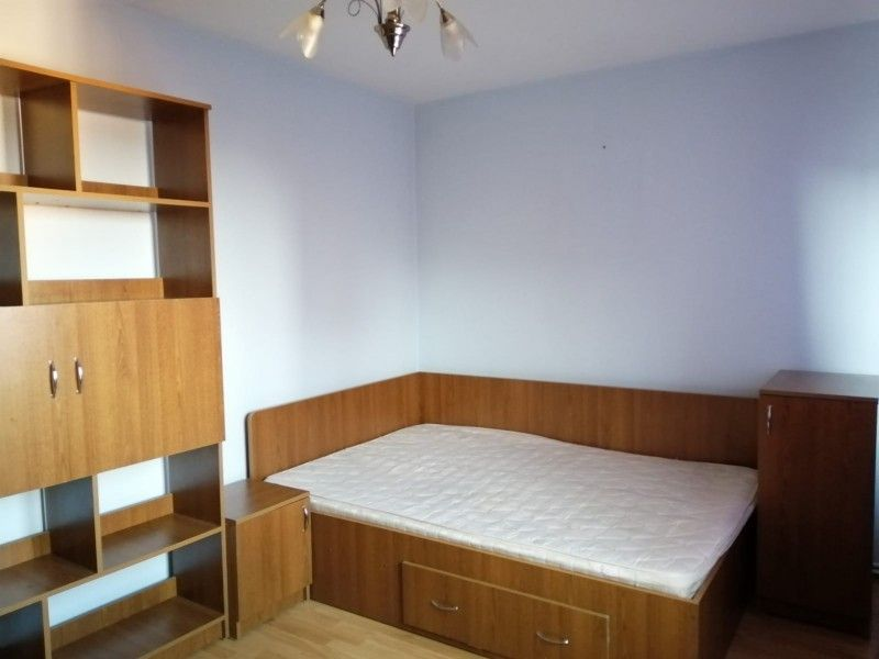 Apartament de inchiriat, 3 camere Semidecomandat  Tatarasi -1