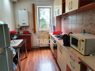 Apartament de inchiriat 3 camere si balcon in Sibiu zona Mihai Viteazu