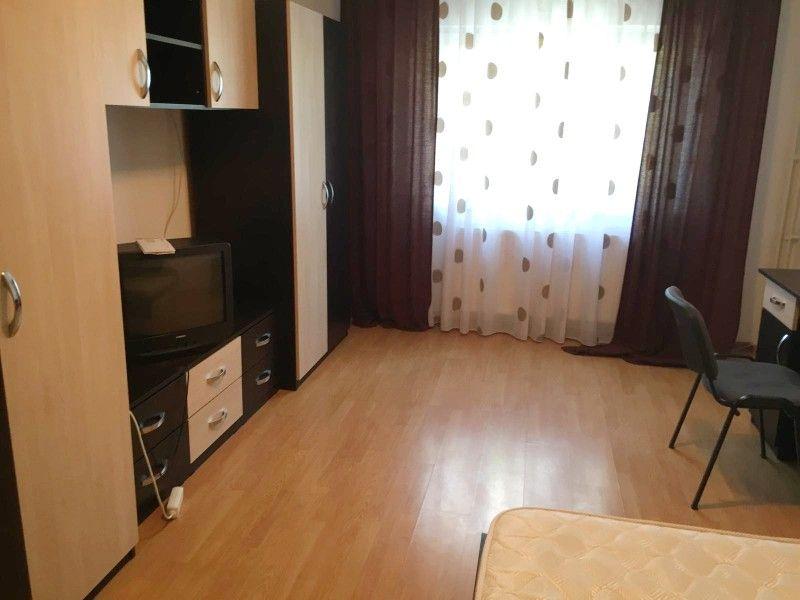 Apartament de inchiriat, o camera Decomandat  Nicolina -1