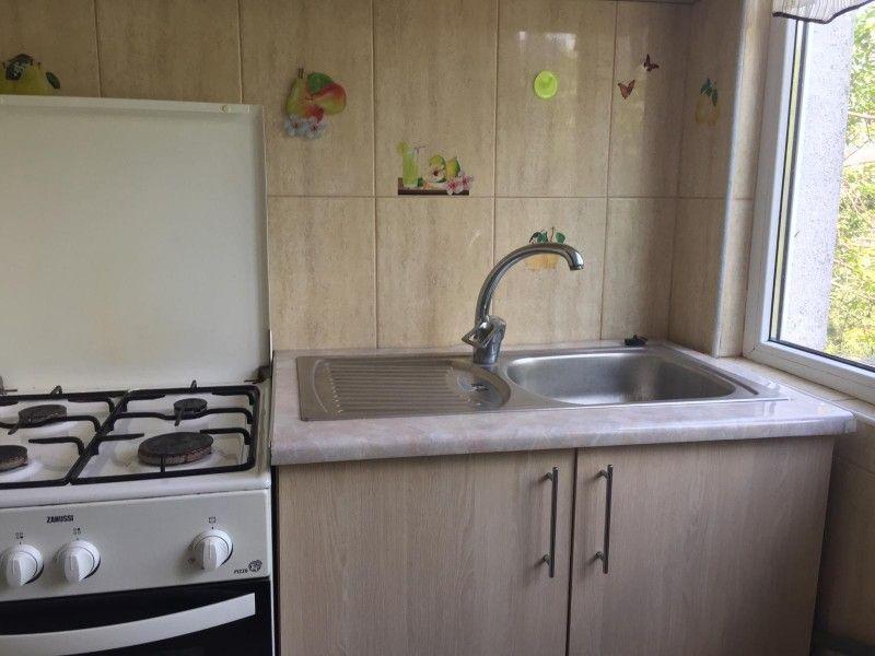 Apartament de inchiriat, o camera Decomandat  Nicolina -5