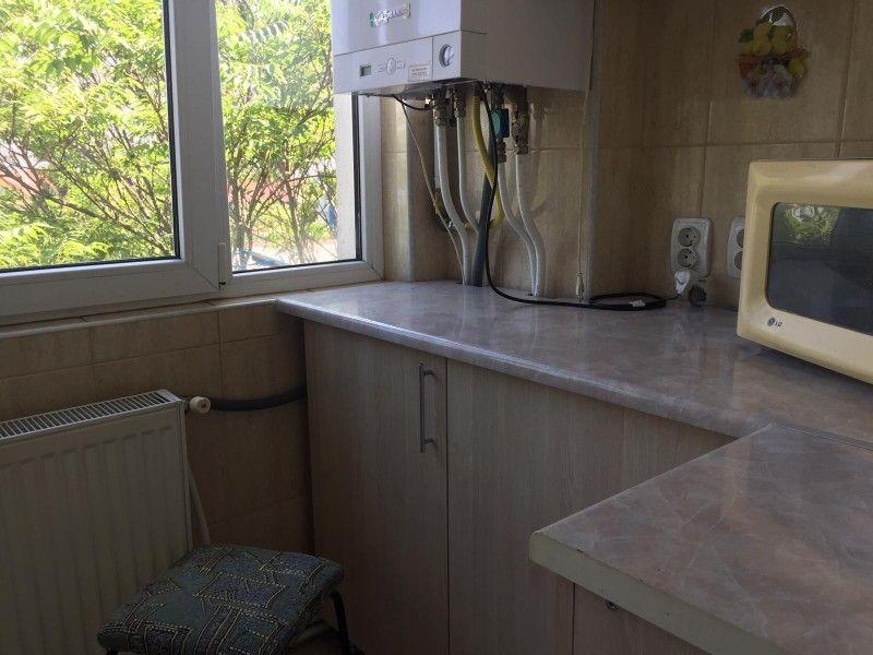 Apartament de inchiriat, o camera Decomandat  Nicolina -6