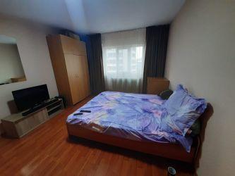 Apartament de inchiriat, o camera Decomandat  Podul de Fier