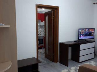 Apartament de inchiriat, o camera Decomandat  Tatarasi