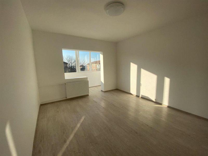 Apartament de vanzare 2 camere Aradului - ID V103-1