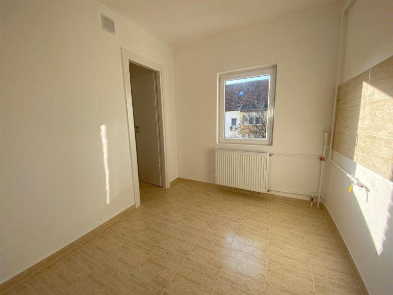 Apartament de vanzare 2 camere Aradului - ID V103-8