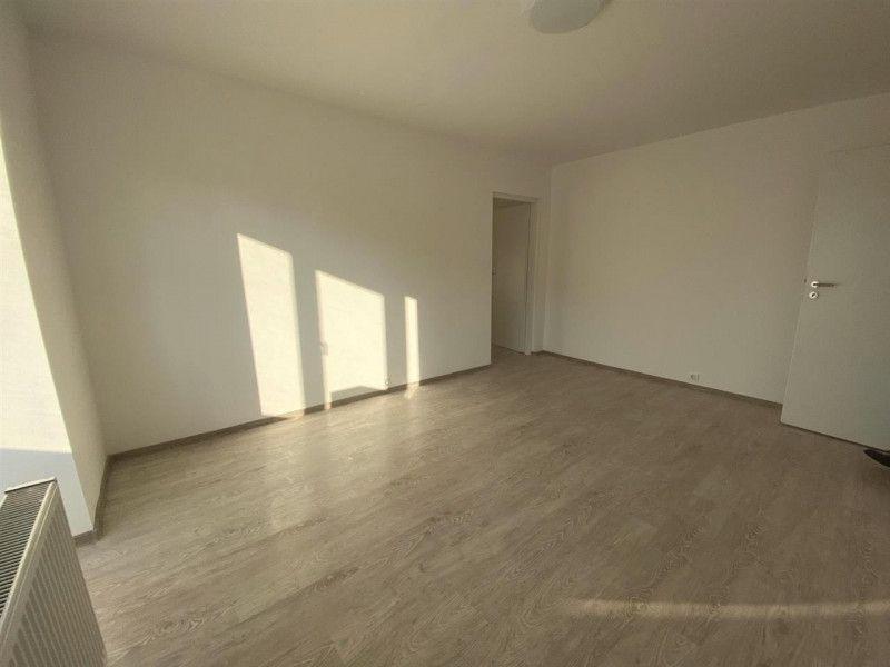 Apartament de vanzare 2 camere Aradului - ID V103-10