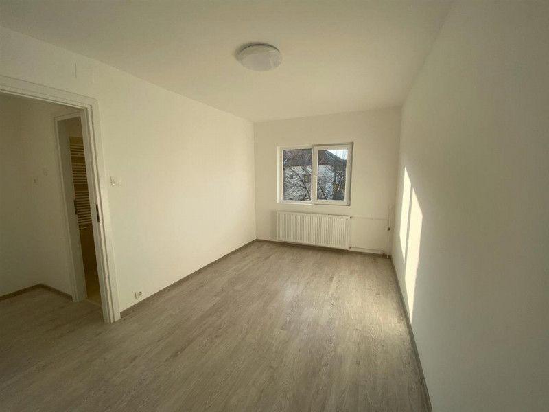Apartament de vanzare 2 camere Aradului - ID V103-12