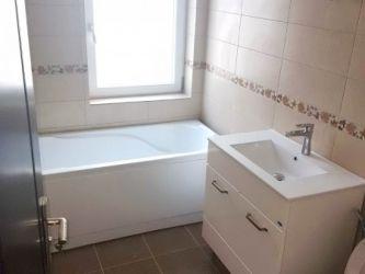Apartament de vanzare, 2 camere Decomandat  Baza 3