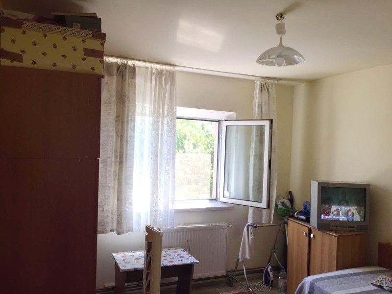 Apartament de vanzare, 2 camere Decomandat  CUG -2