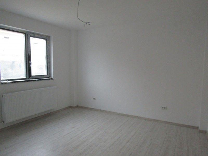 Apartament de vanzare, 2 camere Decomandat  Galata -2