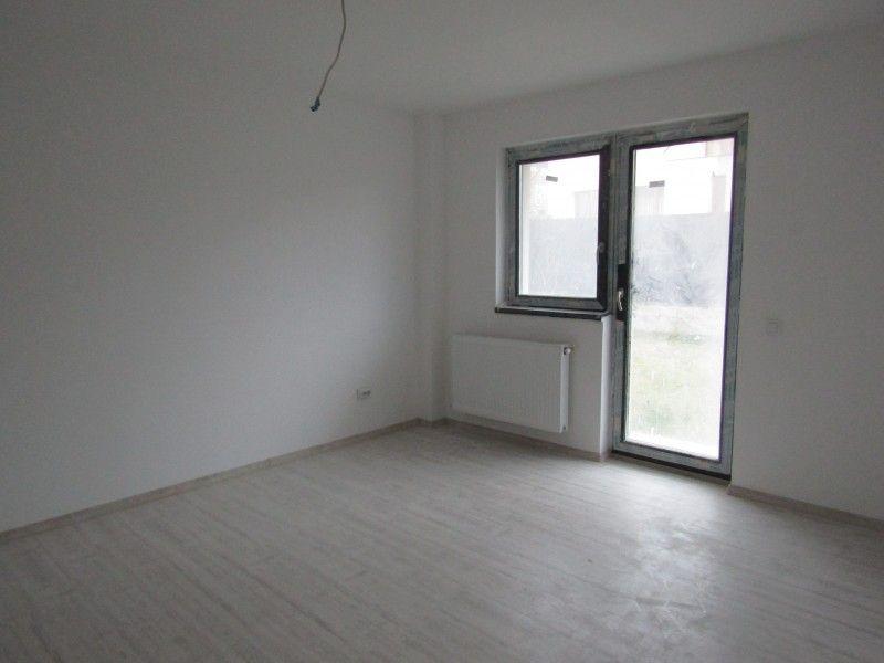 Apartament de vanzare, 2 camere Decomandat  Galata -4