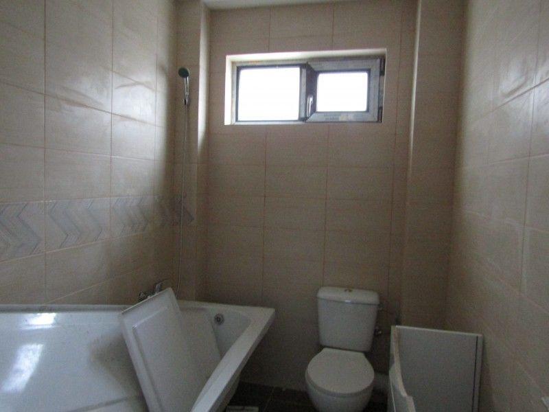 Apartament de vanzare, 2 camere Decomandat  Galata -5