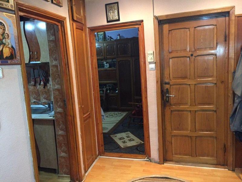 Apartament de vanzare, 2 camere Decomandat  Nicolina -9