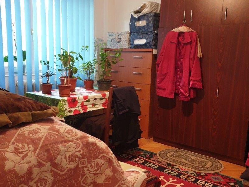 Apartament de vanzare, 2 camere Decomandat  Nicolina -8