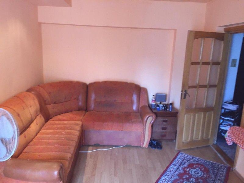 Apartament de vanzare, 2 camere Decomandat  Nicolina -3