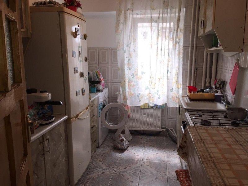 Apartament de vanzare, 2 camere Decomandat  Nicolina -7