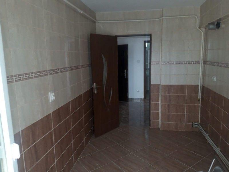 Apartament de vanzare, 2 camere Decomandat  Pacurari -5