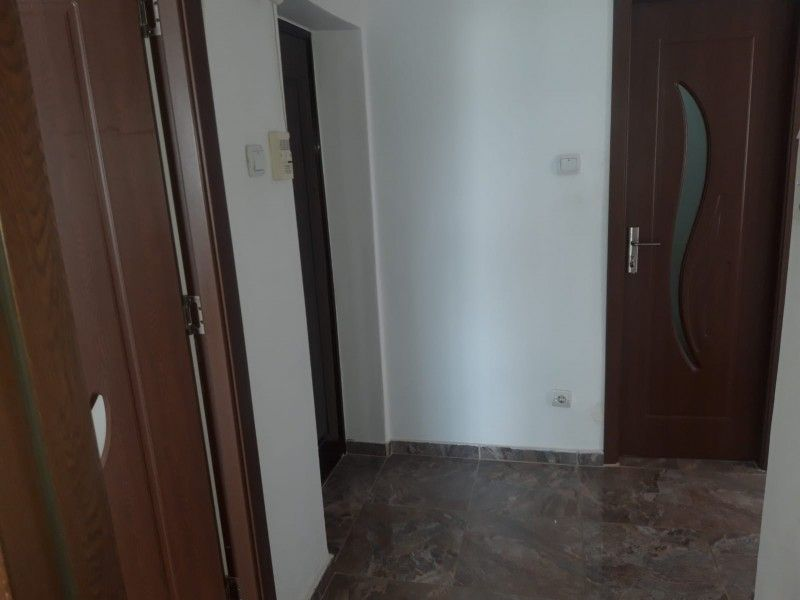 Apartament de vanzare, 2 camere Decomandat  Pacurari -11