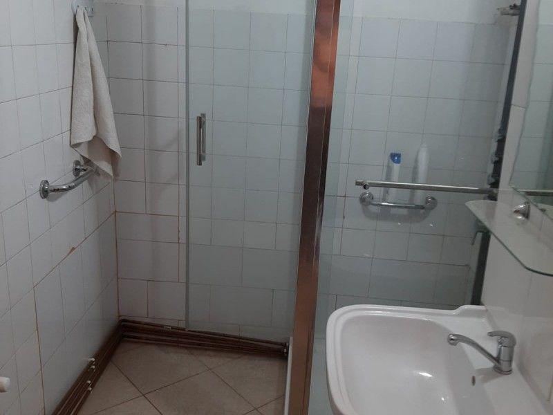 Apartament de vanzare, 2 camere Decomandat  Podu Ros -1