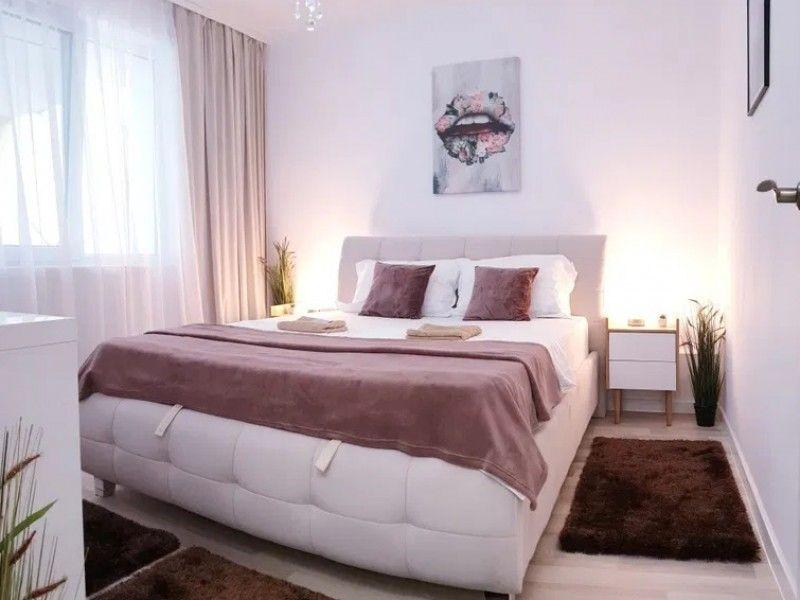 Apartament de vanzare, 2 camere Decomandat  Podu Ros -3