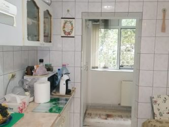 Apartament de vanzare, 2 camere Decomandat  Podul de Fier