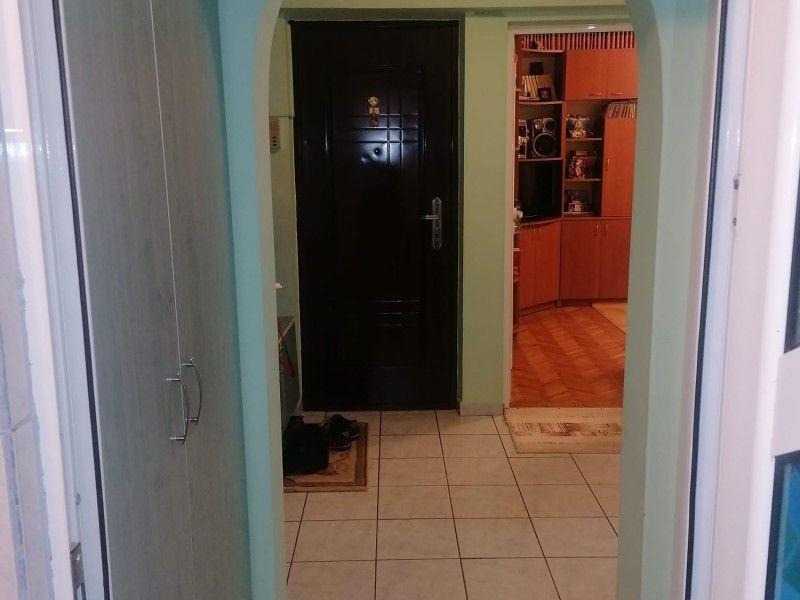 Apartament de vanzare, 2 camere Decomandat  Podul de Fier -2