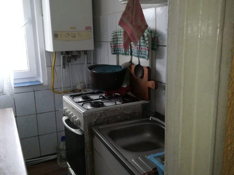 Apartament de vanzare, 2 camere Decomandat  Tatarasi -3