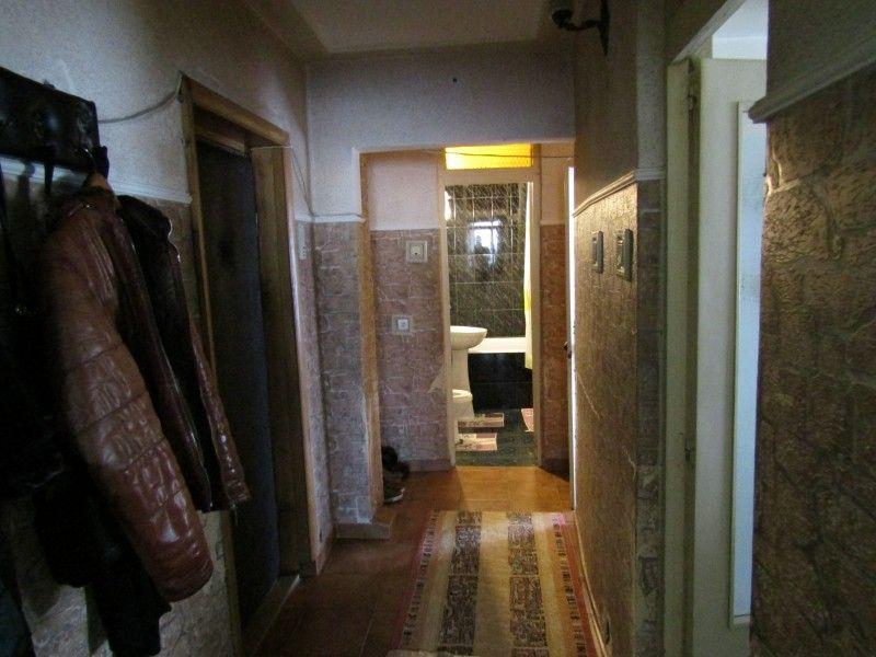 Apartament de vanzare, 2 camere Decomandat  Tatarasi -1