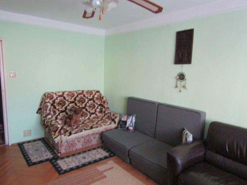 Apartament de vanzare, 2 camere Decomandat  Tatarasi -6