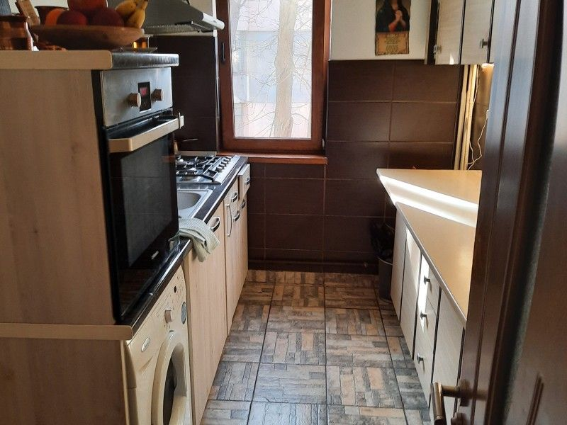 Apartament de vanzare, 2 camere Decomandat  Tatarasi -7