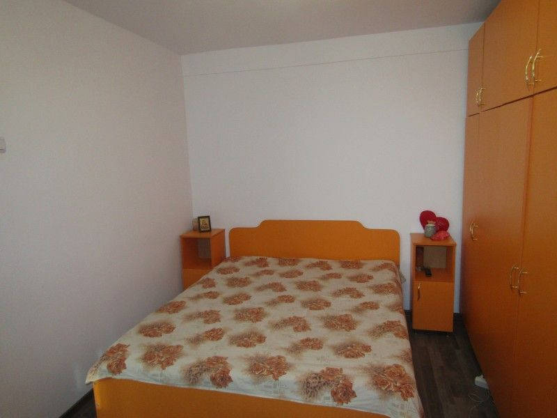 Apartament de vanzare, 2 camere Nedecomandat  Tudor Vladimirescu -6