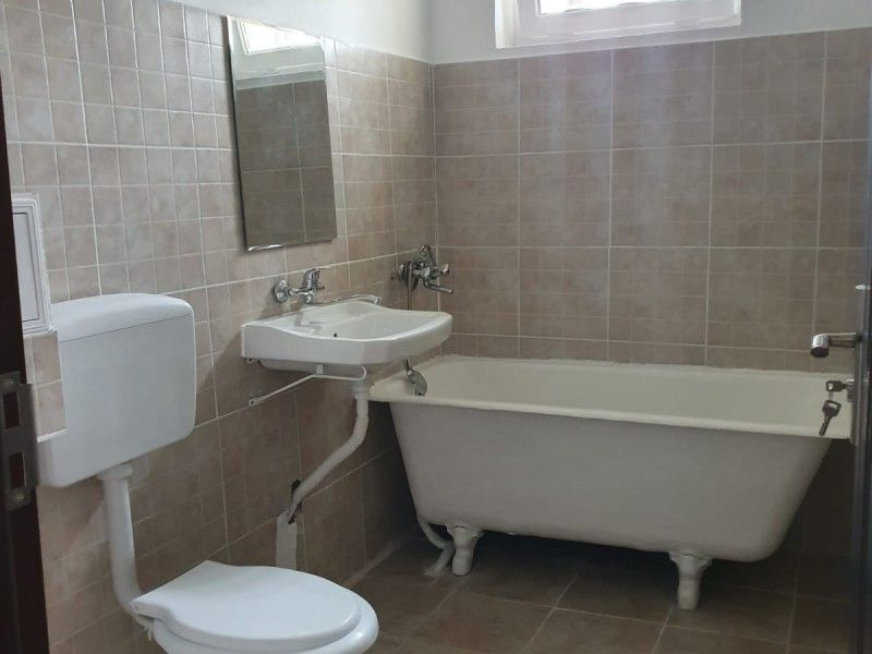 Apartament de vanzare, 2 camere Nedecomandat  Tudor Vladimirescu -8