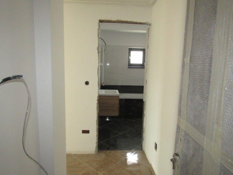 Apartament de vanzare, 2 camere Semidecomandat  Bucium -8