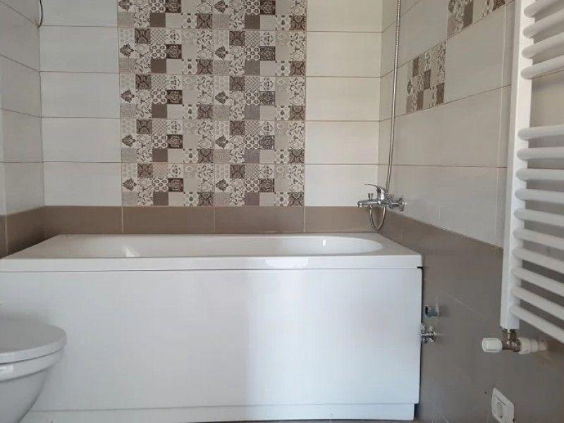 Apartament de vanzare, 2 camere Semidecomandat  Bucium -2