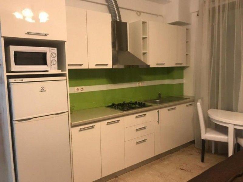 Apartament de vanzare, 2 camere Semidecomandat  Copou -1