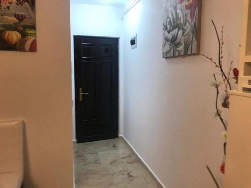 Apartament de vanzare, 2 camere Semidecomandat  Copou -4