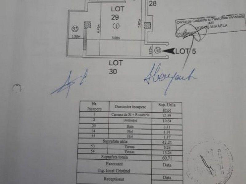 Apartament de vanzare, 2 camere Semidecomandat  Copou -11