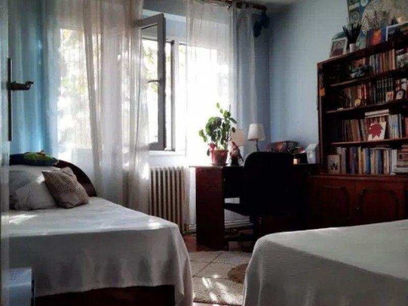 Apartament de vanzare, 2 camere Semidecomandat  Podu Ros -3