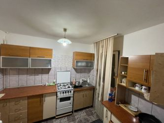 Apartament de vanzare, 2 camere Semidecomandat  Podul de Piatra