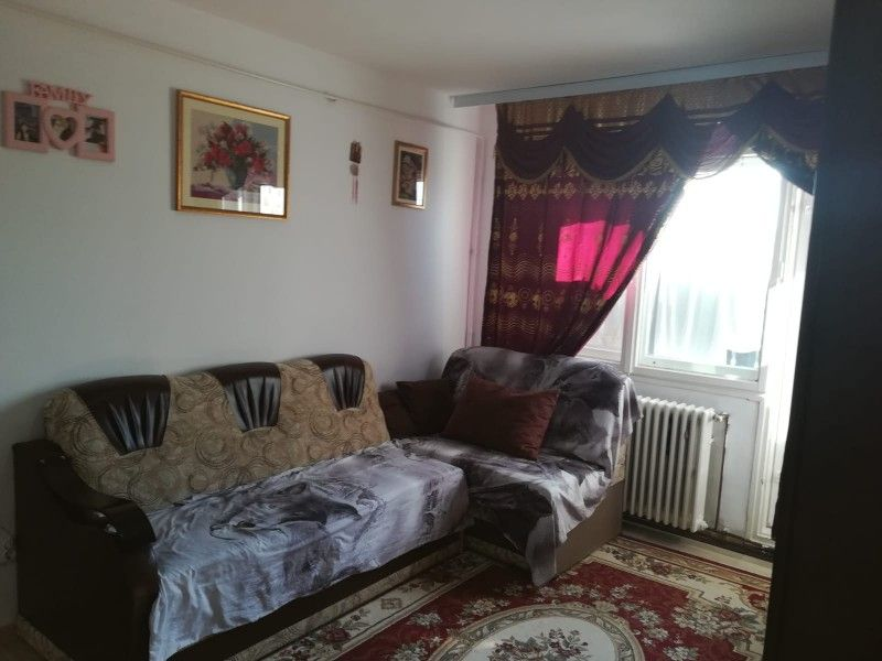 Apartament de vanzare, 2 camere Semidecomandat  Tatarasi -9