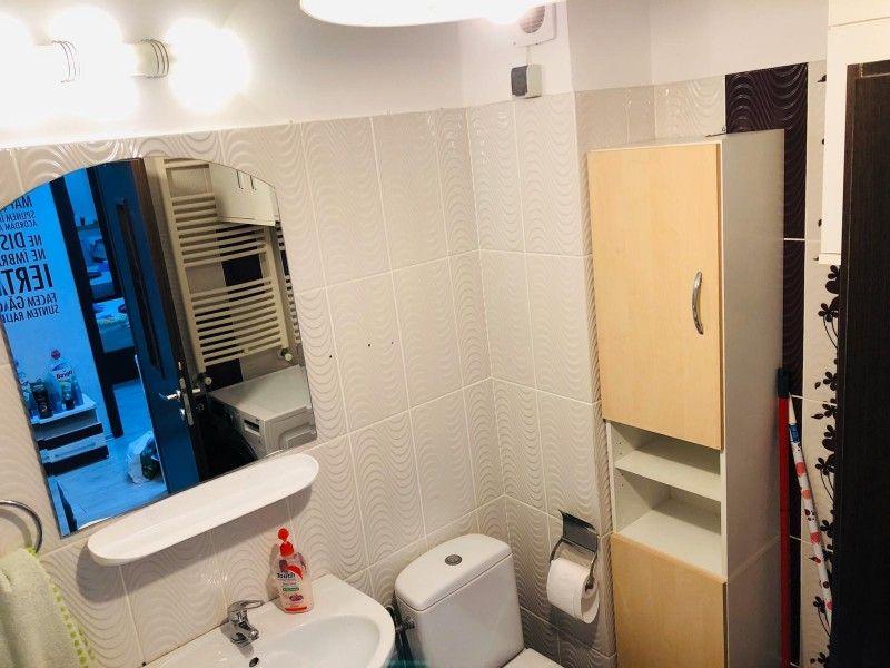 Apartament de vanzare, 2 camere Semidecomandat  Tatarasi -6
