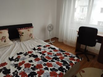 Apartament de vanzare, 3 camere Decomandat  Baza 3