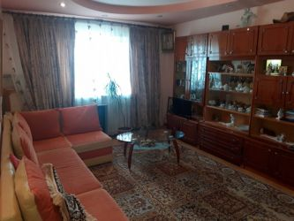 Apartament de vanzare, 3 camere Decomandat  Canta