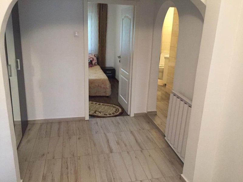 Apartament de vanzare, 3 camere Decomandat  CUG -3